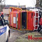 Wóz strażacki w rowie