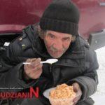 Pomagajmy bezdomnym i potrzebującym